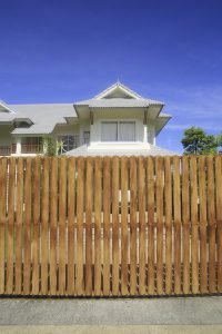 4 Ways To Liven Your Residential Fence
