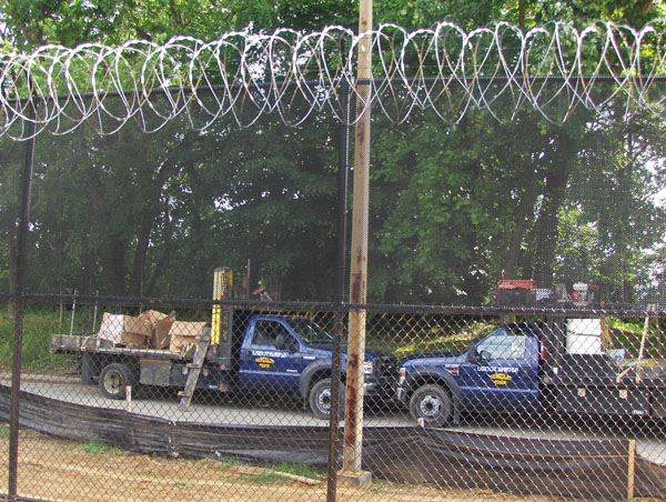 Non climb fence chain link fencing hercules